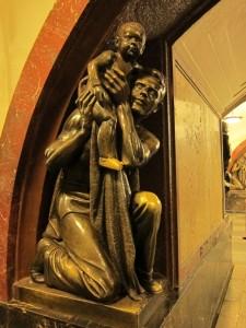 statues025