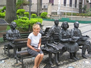 statues039